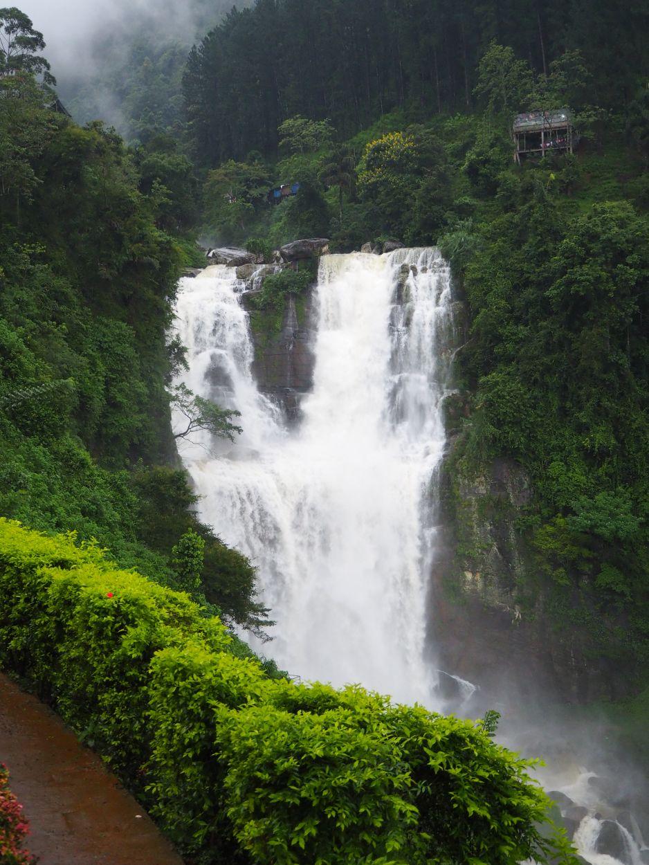 Wasserfall Ramboda Falls in Sri Lanka