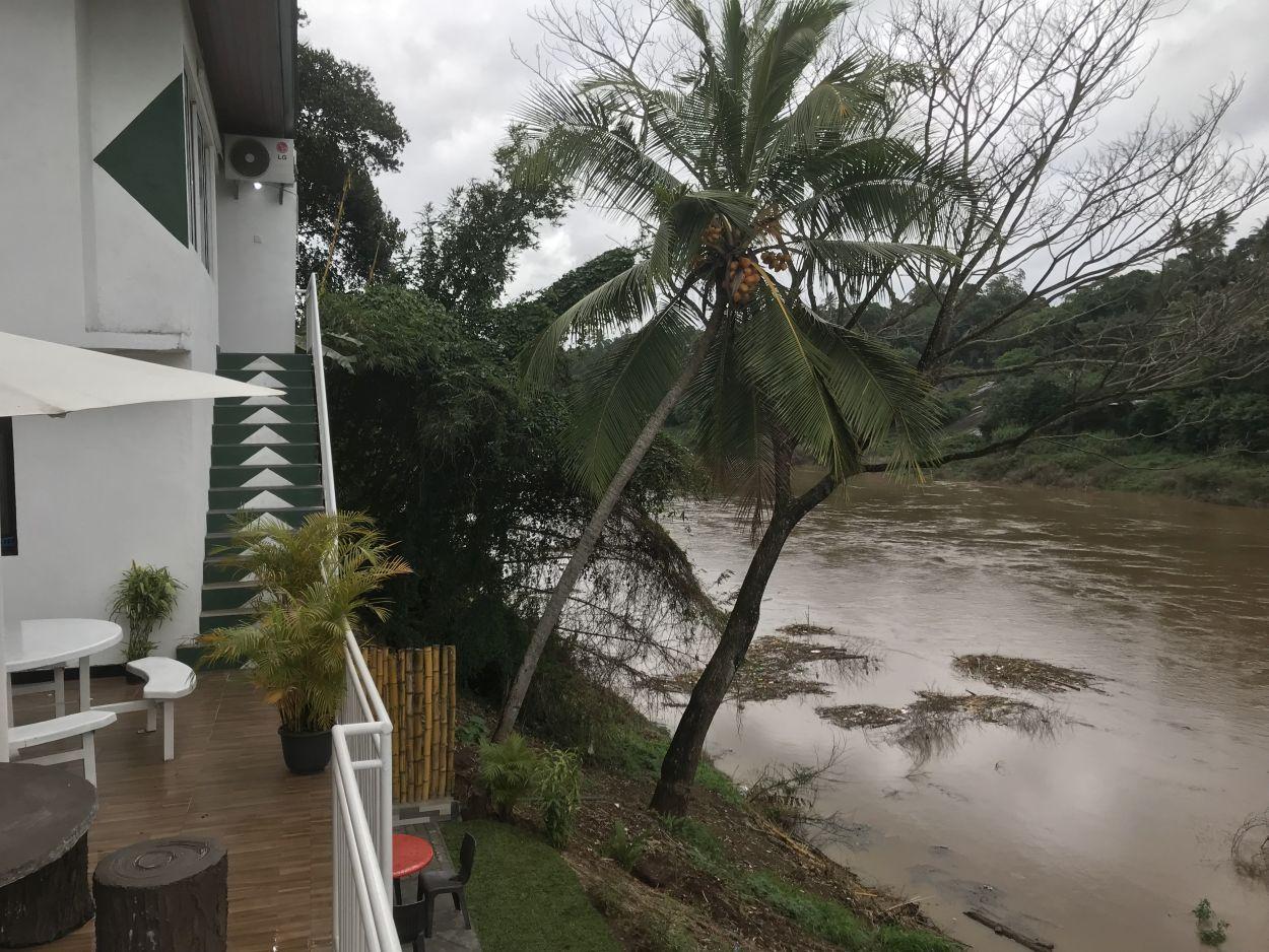 Hotel am Fluss in Kandy