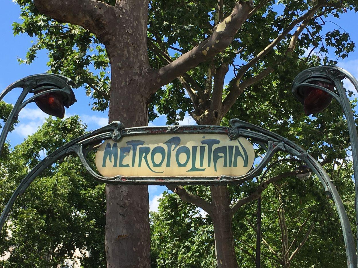 Mit der Metro unkompliziert durch Paris bewegen.