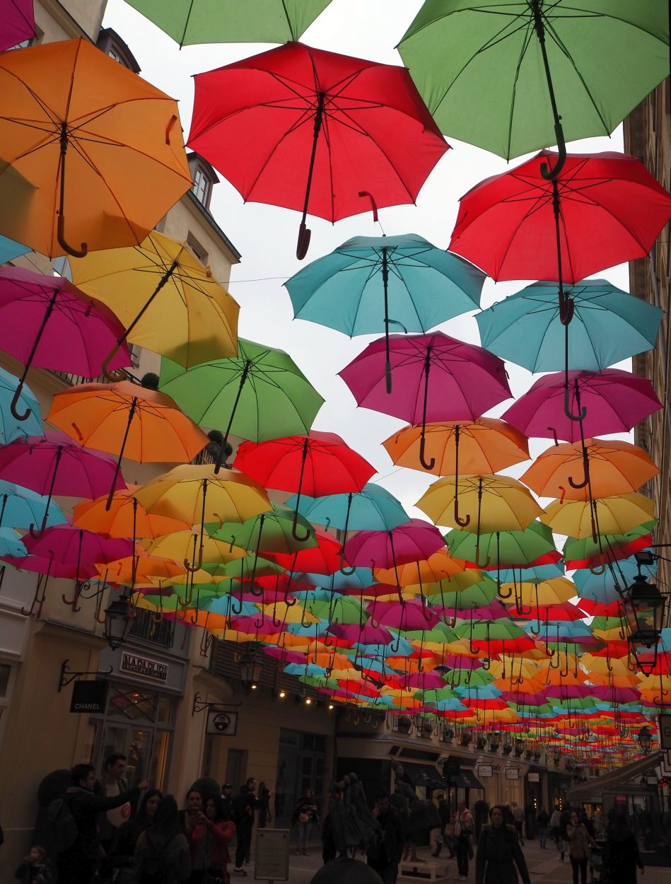 Le Village Royale / Umbrella Sky Project