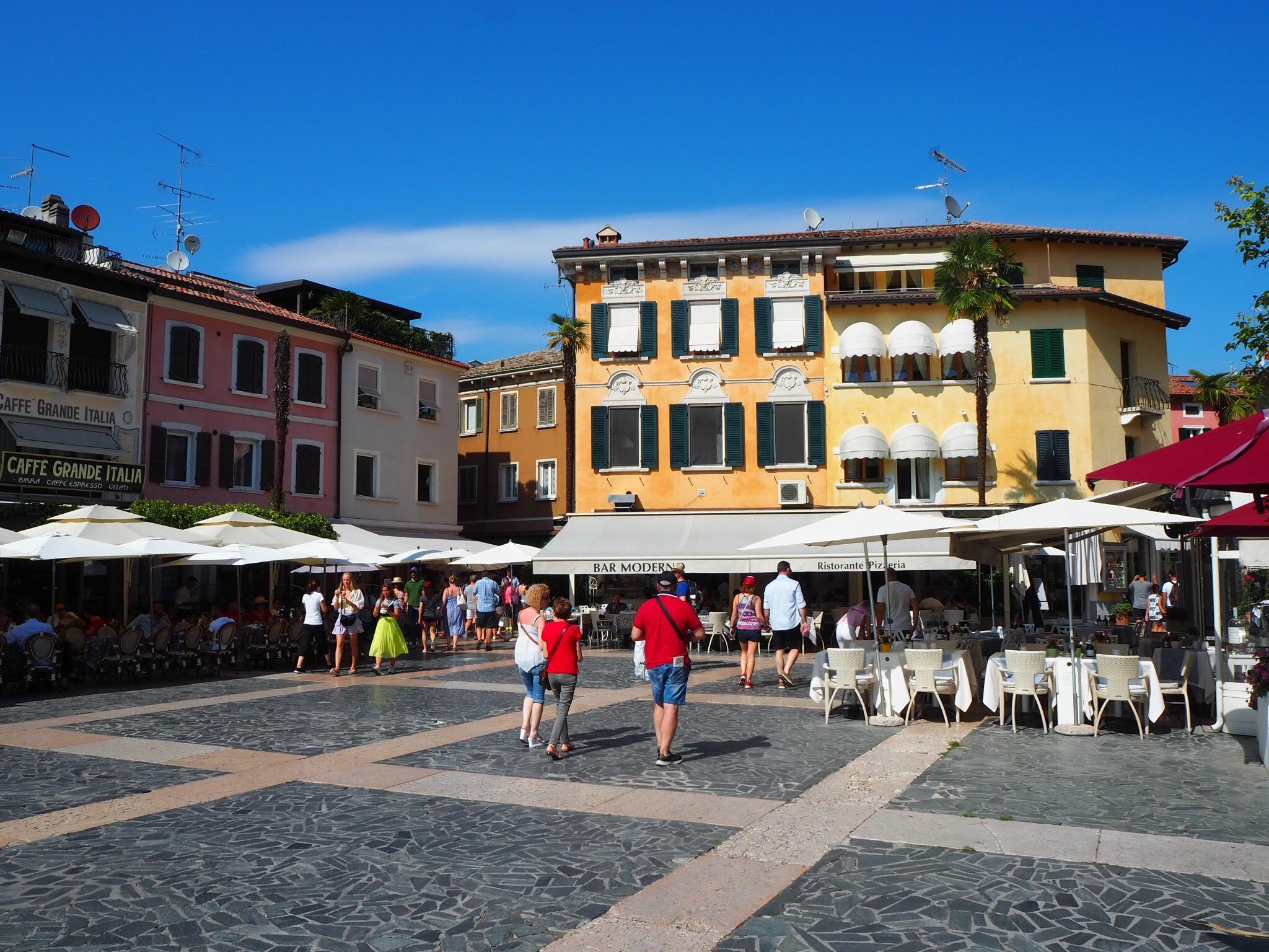 Piazza Caducci in Sirmione