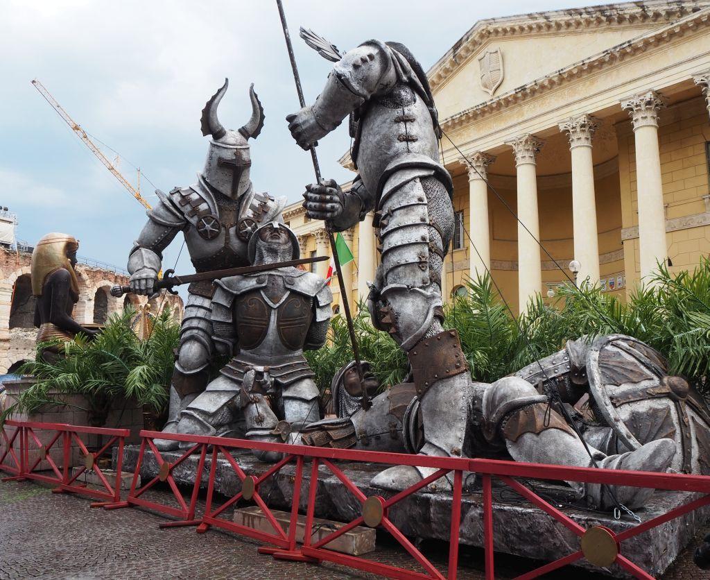Bühnendeko für das Opernfestspiel in Verona