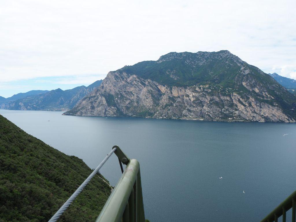 Blick von den Metall-Treppen aus, Busatte Tempesta