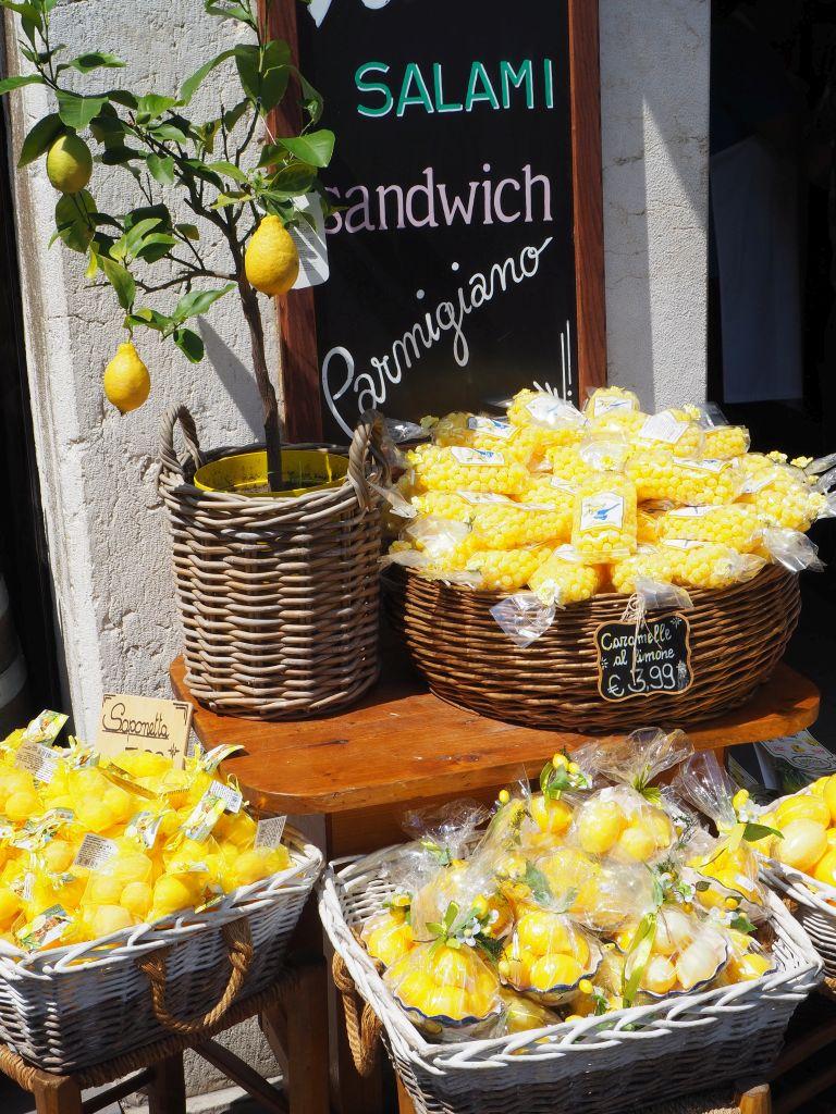 Der Verkaufsschlager in Limone: die Zitrone