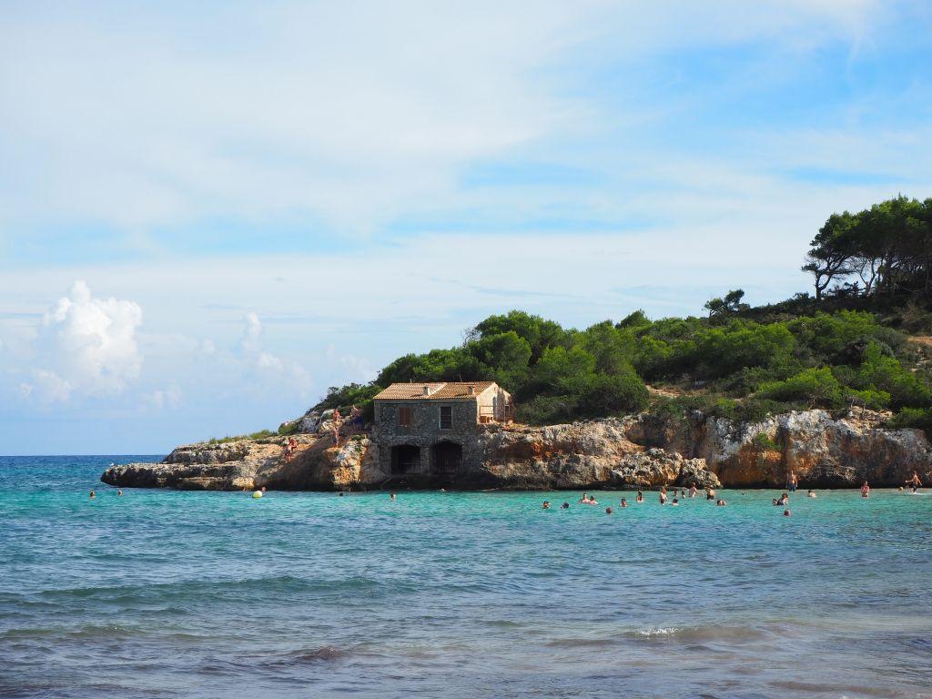 Die Bucht an der Cala Mondrago