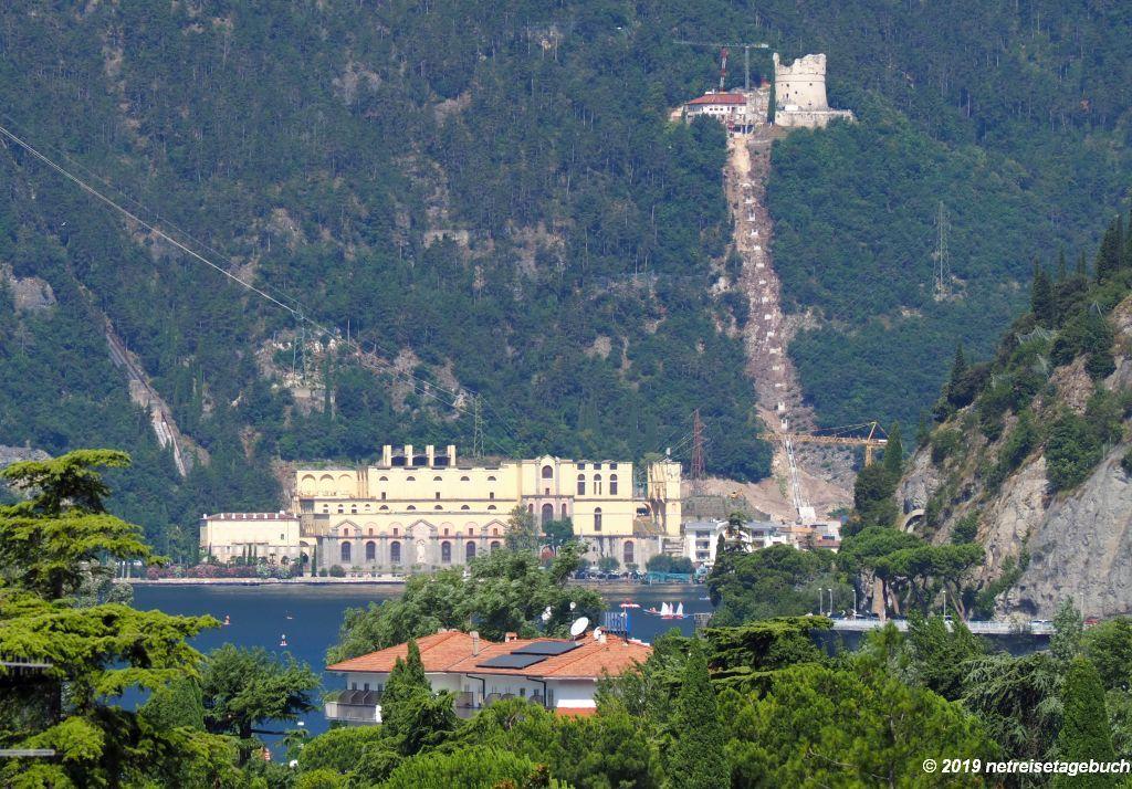 Wasserkraftwerk und Bastion von Riva del Garda