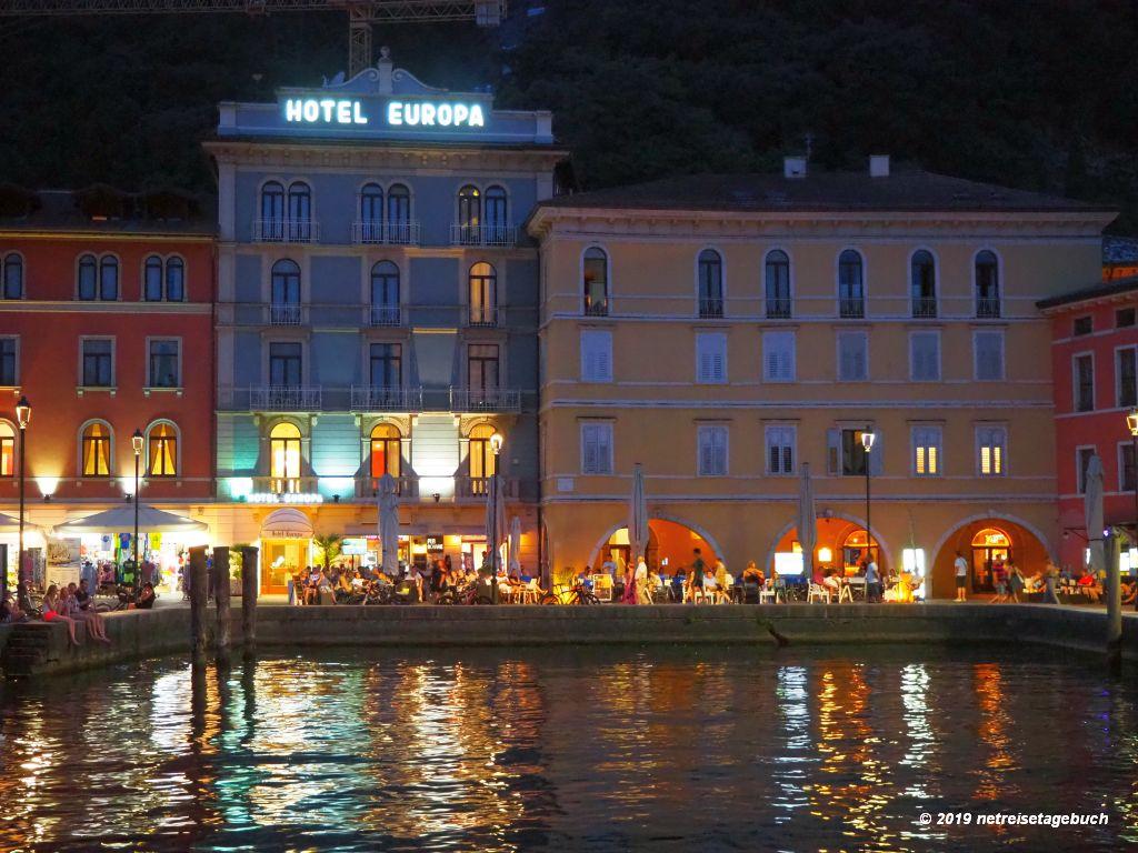 Abendstimmung am Hafen von Riva