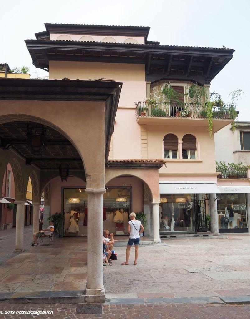 Piazza delle Erbe - der alte Marktplatz in Riva