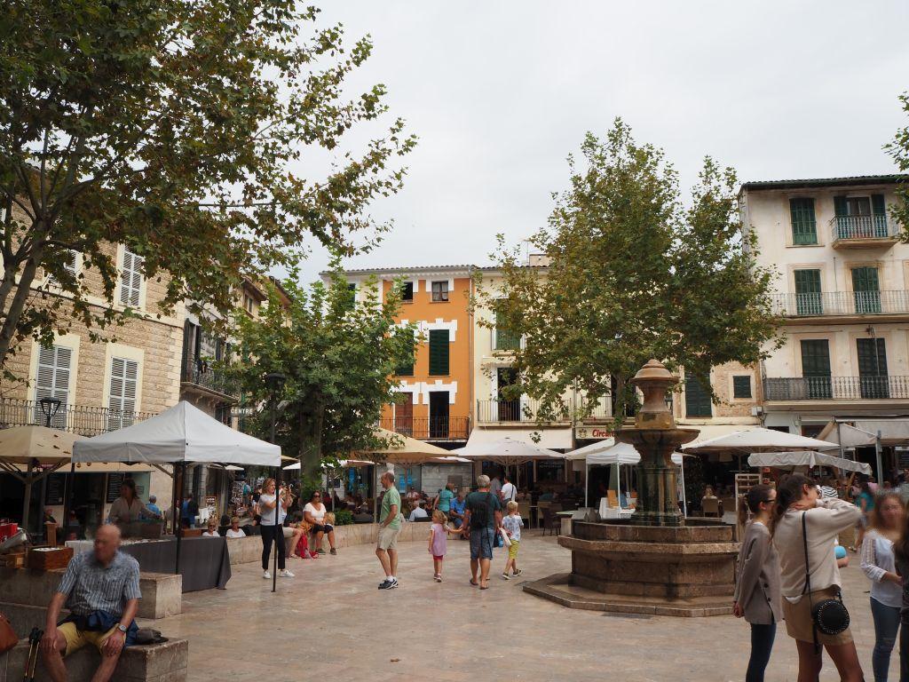 Plaza Constitución in Sóller