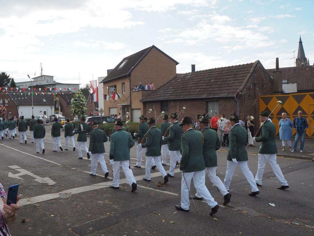 Schützenfestumzug in Gustorf