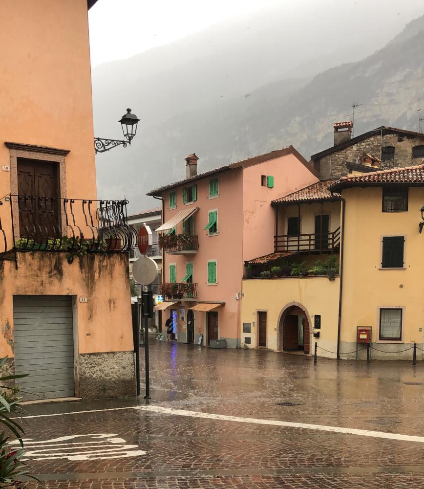 Der Ort Dro am Gardasee