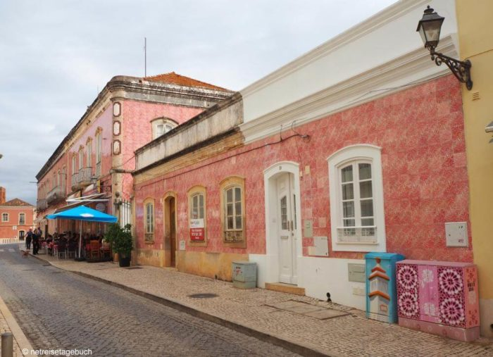 Rosa Haus in Silves
