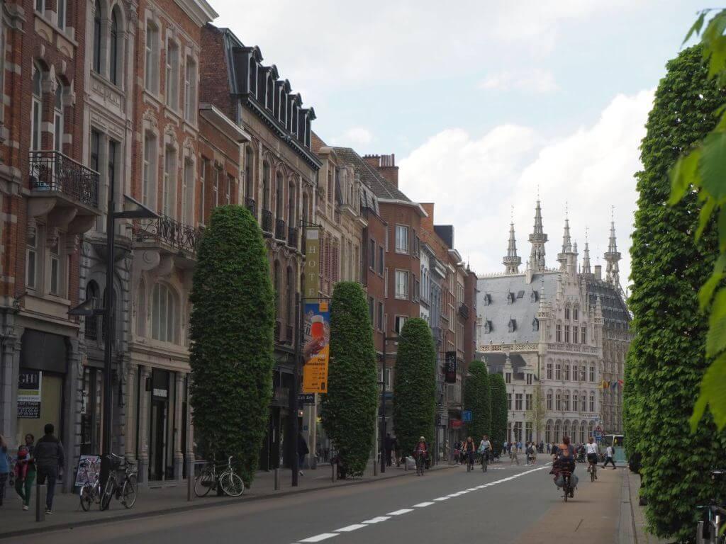 Imposantes Rathaus von Leuven / Belgien