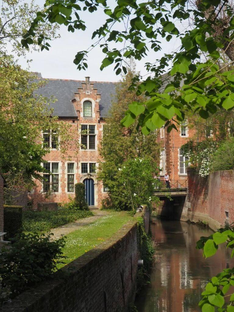 Idylle im Großen Beginenhof in Leuven