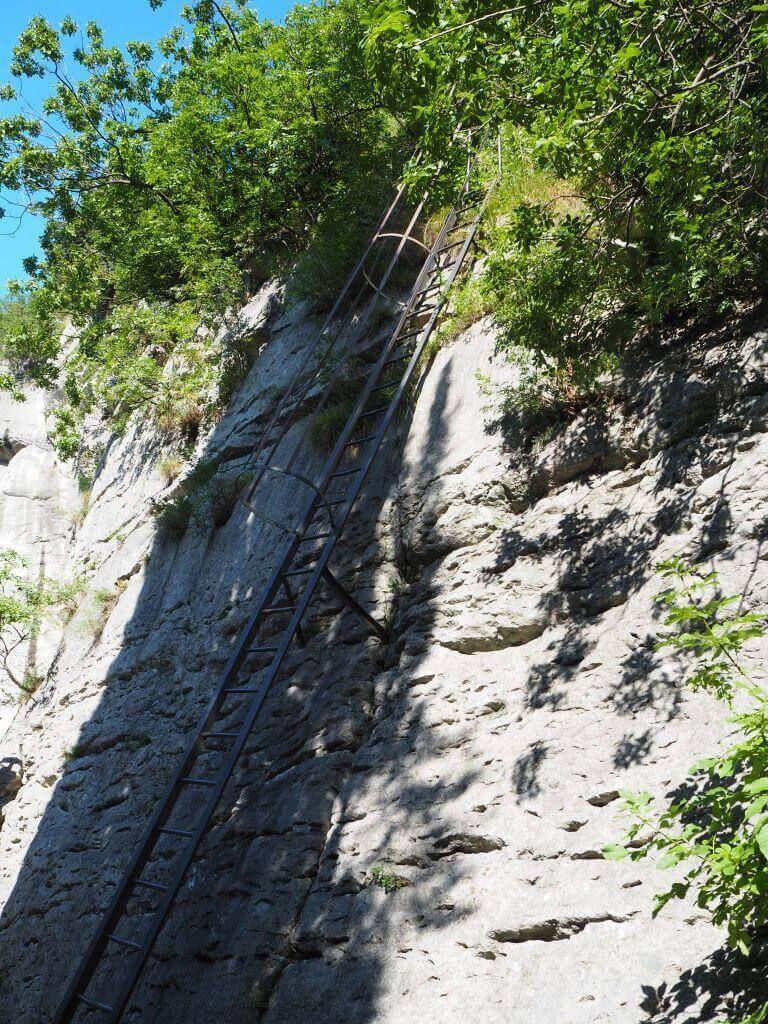 Leiter zum Marmitte dei Gigante in Torbole
