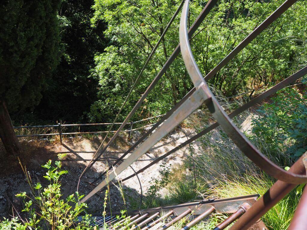 Leiter hinab - Marmitte dei Gigante in Torbole
