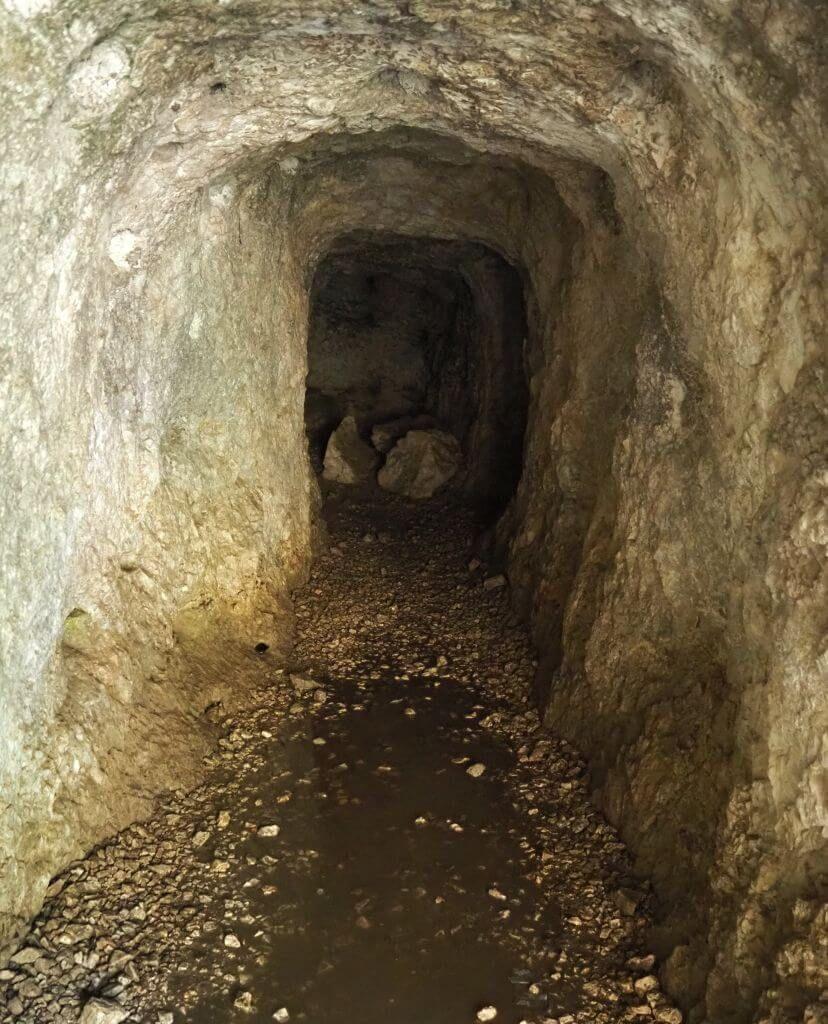 Der Höhleneingang - Marmitte dei Gigante in Torbole