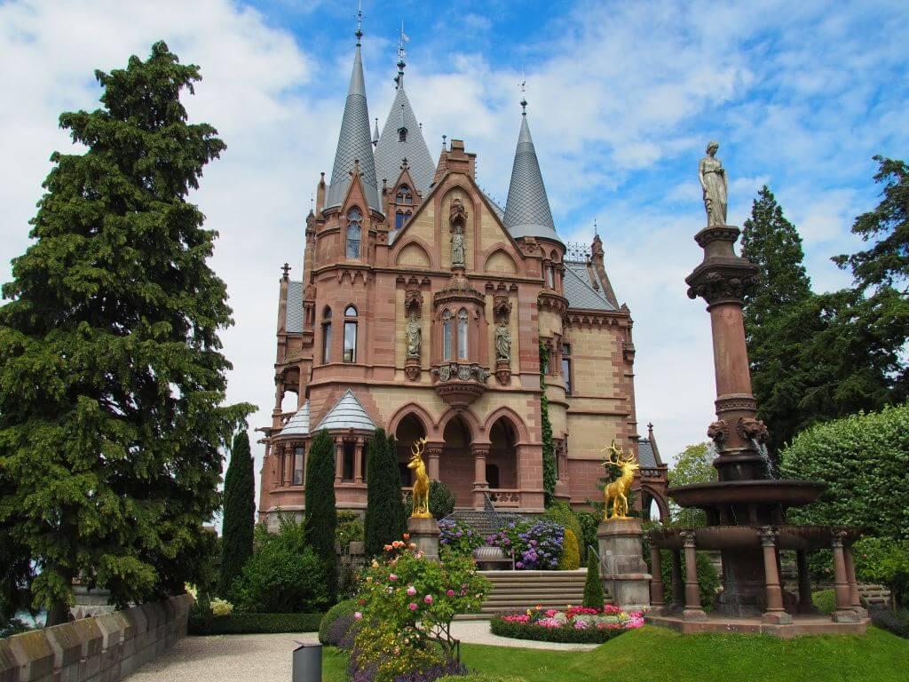 Ausflugsziel NRW: Märchenhaftes Schloss Drachenburg auf dem Drachenfels