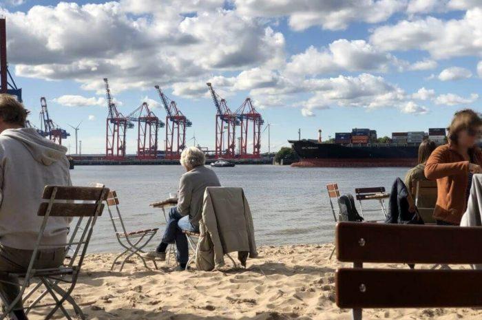 Auf Entdeckungstour am Elbstrand von Hamburg-Altona