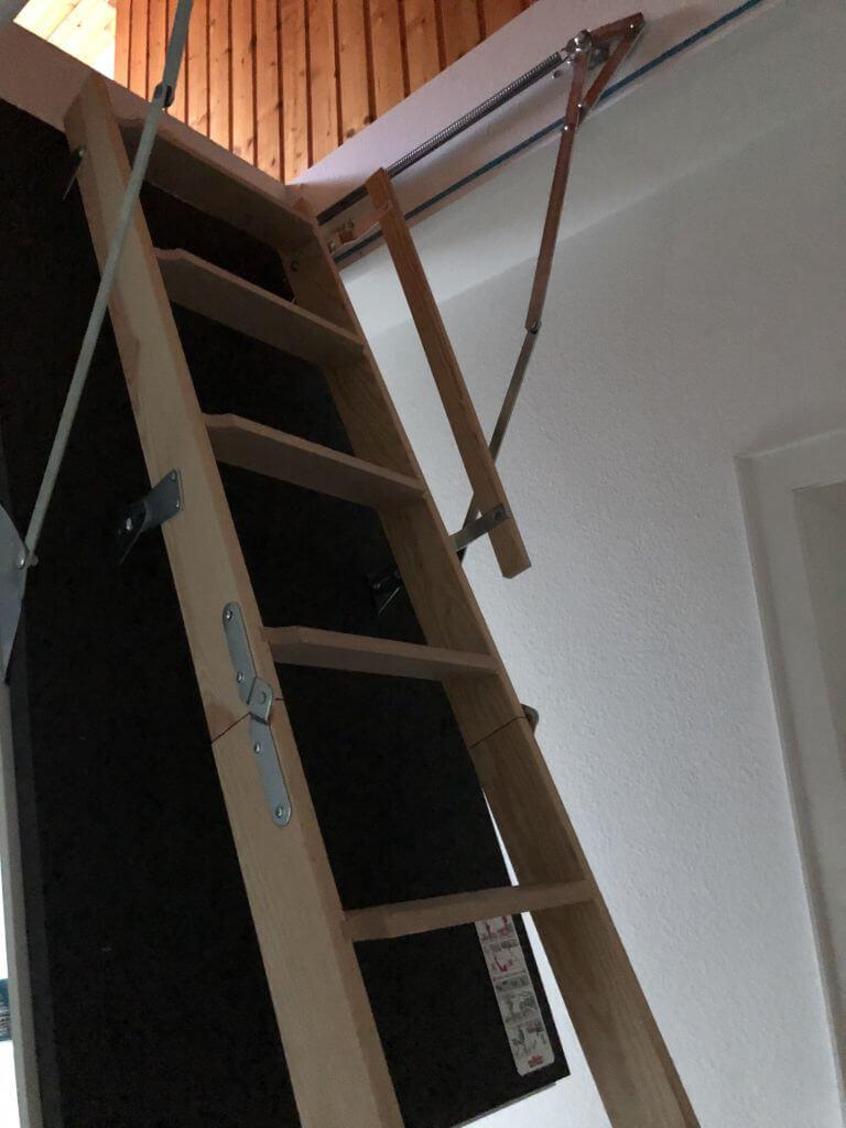 Dachbodenleiter