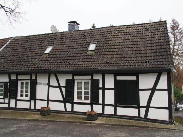 Mintarder Dorfschule